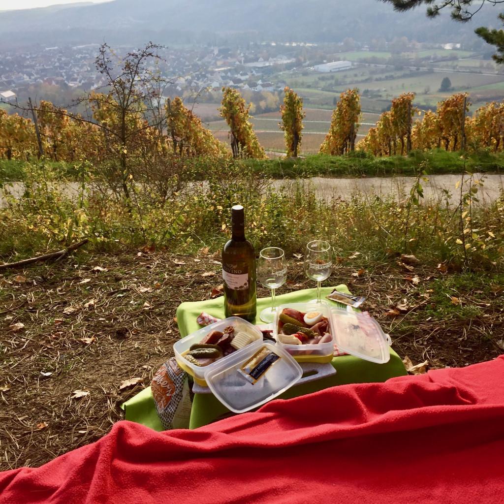 Thüngersheim - Die Brotzeitkiste in den Weinbergen